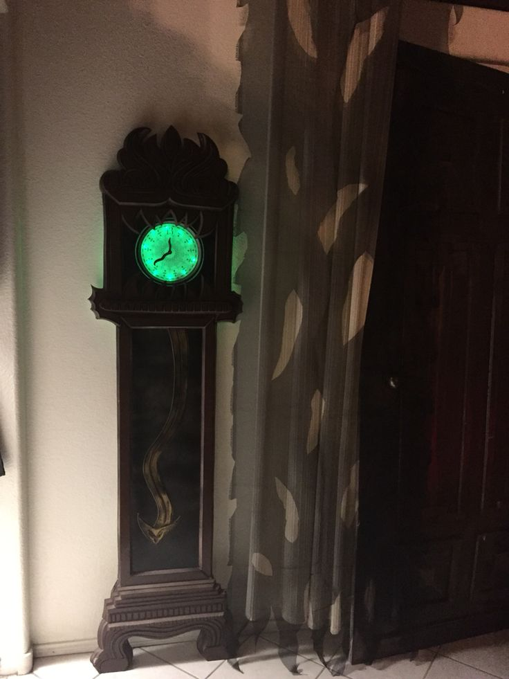 my own props halloween 2016 haunted mansion 13hour clock - 2016 Halloween Decor