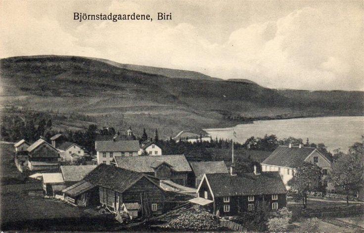 Biri Gjøvik kommune Oppland fylke  Bjørnstadgårdene Ukjent fotograf