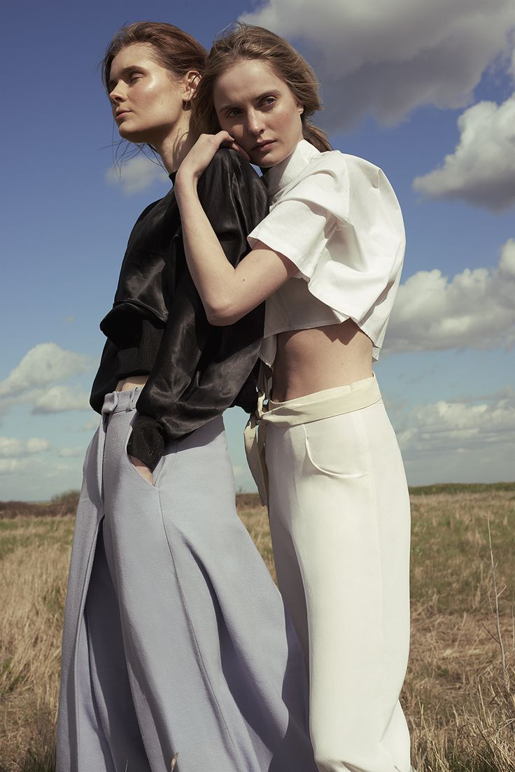 ' A Tale of Two 'Klara & Georgia @ FM London con el estilismo deHangna Ko, maquillaje y peluqueria por Amy Wright para REVS Magazine por Jack Grayson ph.