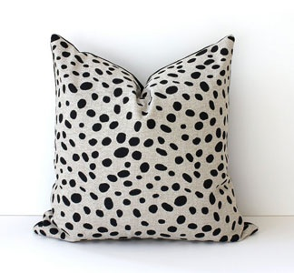 quail egg: Pillows Covers, Polka Dots, Cute Pillows, Accent Pillows, Black White, Spots Black, Black Tans, Animal Prints, Pillows Talk