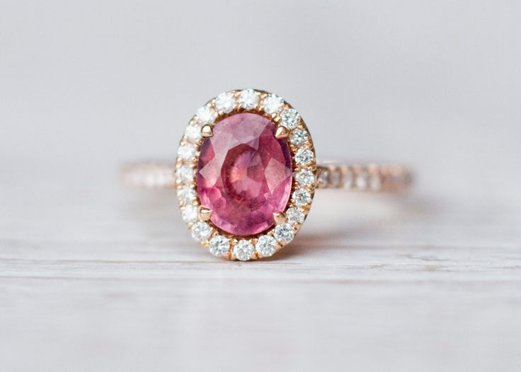 Rosa Turmalin Diamanten Ring in 14K Rotgold von ARPELC HANDGEMACHTER SCHMUCK auf DaWanda.com