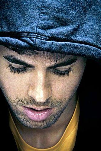 Not a fan of enrique iglesias... but those lashes on a man are swoon worthy