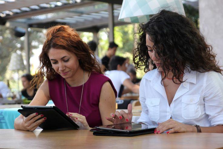Huqqa iPad Menülerden nasıl faydalanıyor, Mutfak Koordinatötü Sayın İsmail Ercan Turan'a sorduk.  #ipadmenü #tabletmenü