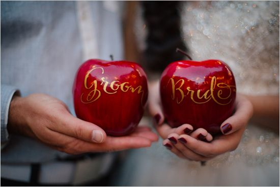 bride and groom apple escort cards http   www perfectstatement com  design  amp  Claire Marika Photogarphy snow white wedding disney  pseventdesign