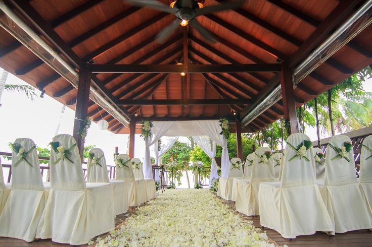 The sala is a unique and authentic venue for any wedding ceremony...it's also perfect incase the rain hits!