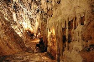 La Gruta de las Maravillas, una de las quince mejores cuevas de España para visitar . Se encuentra en la sierra de Huelva, en la localidad de Aracena.