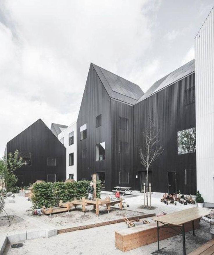 Архитектурное бюро COBE представ или в Копенгагене небольшой детский сад вписанный в местную архитектуру. Садик имеет форму небольшого поселка и в его комплекс входит 11 строений которые могут принимать около 180 детей. Большинство зданий выполнено в черном цвете…
