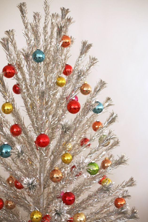 31+ Decorated silver tinsel christmas tree inspirations