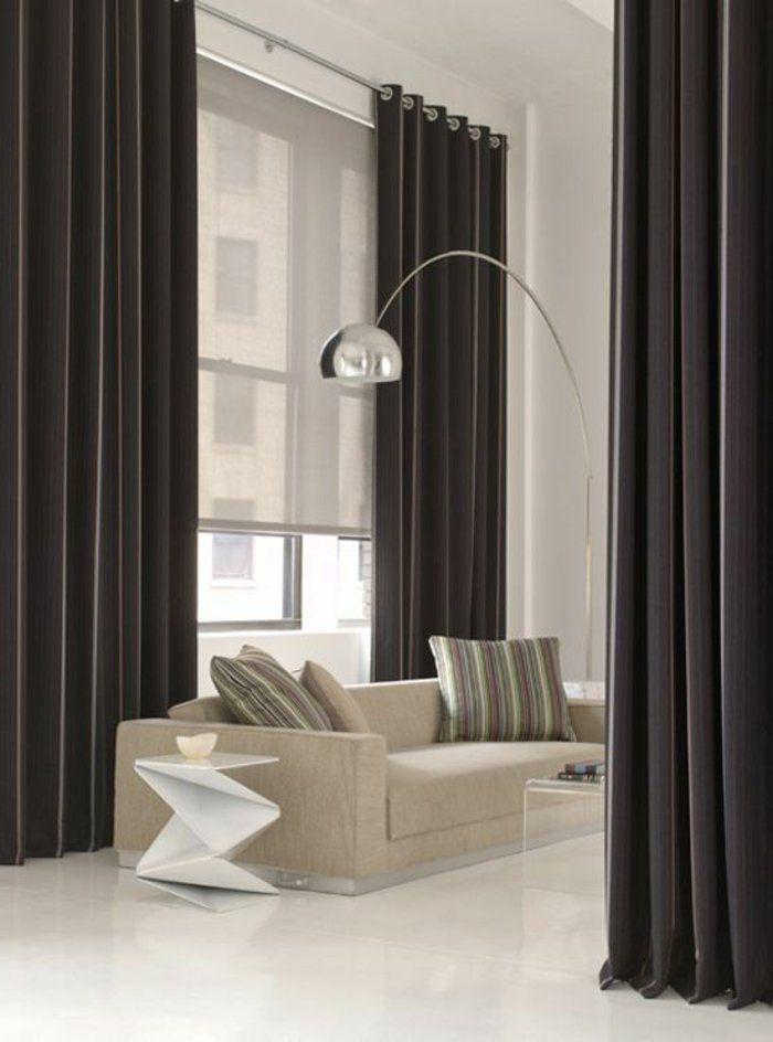 store enrouleur occultant, rideaux longs gris foncé pour le salon chic