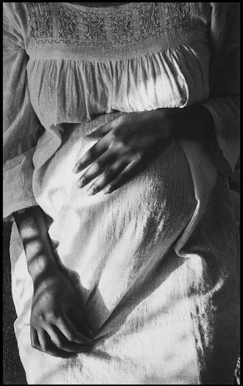 Edouard Boubat, Maternité, 1971