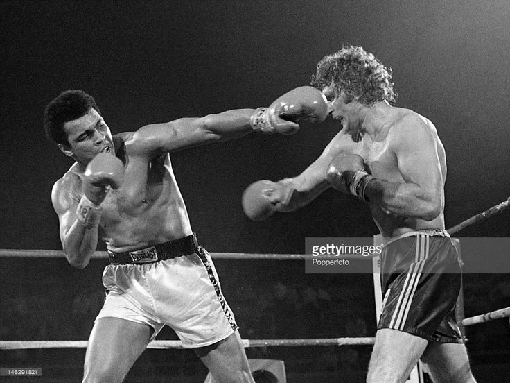 Muhammad Ali of the United States (left) in action during his heavyweight title fight against Joe Bugner of Great Britain at the Las Vegas Convention Center in Las Vegas, 14th February 1973. Muhammad Ali won on points.