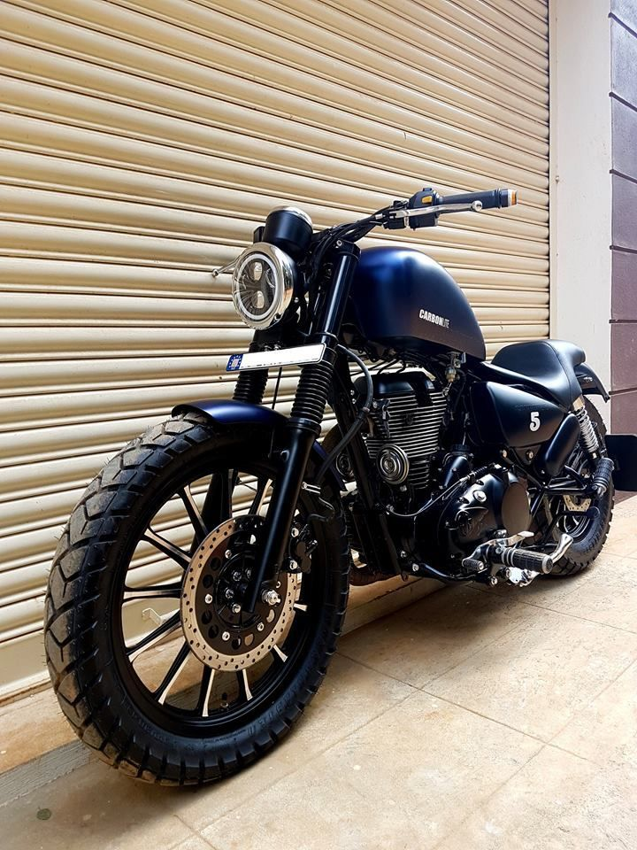 Royal Enfield Modified Carbon Ss Lite Bulleteer Customs Royal