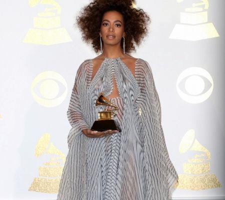 Solange Knowles, Grammy Awards, Iris van Herpen, Grammys, Grammy red carpet 2017, Michelle Crosland, A Rebel in Prada