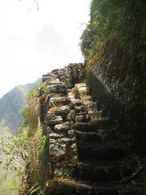 Subida Huayna Picchu www.justalittlefurther.com
