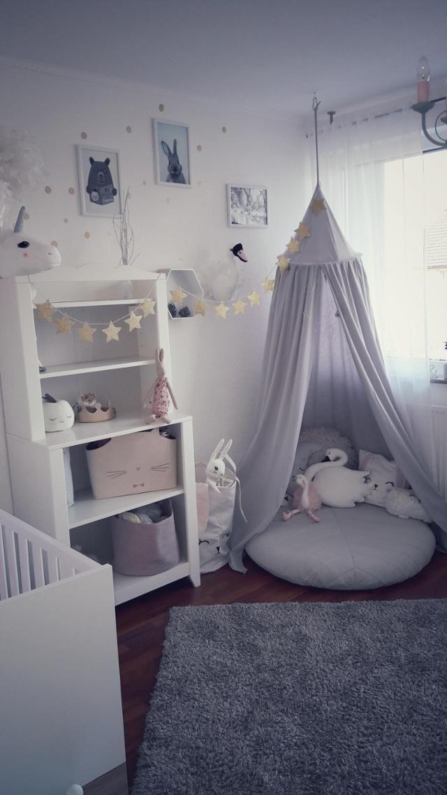 Kinderzimmertraum von Nathalie117 – mit Baldachin #kidsroom #zelt #tipi #wickelkommode #kinderbett