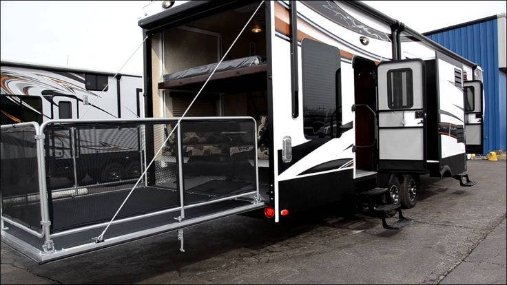 Fuzion Fifth Wheel toy Hauler for Sale