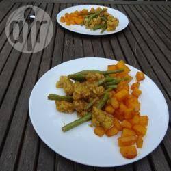 Dinner: Gebakken pompoen met kokoscurry, boontjes en bloemkool.