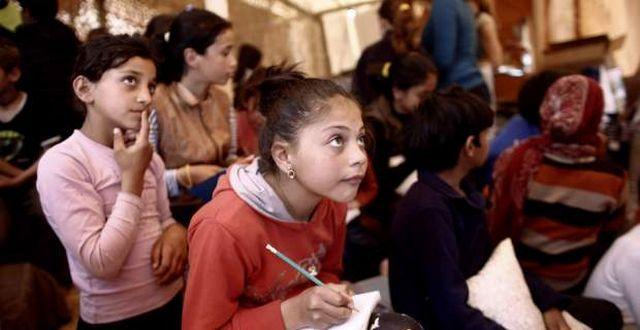 Αυτά είναι τα 19 σχολεία που θα υποδεχθούν τα προσφυγόπουλα: Δημοσιεύθηκε στο ΦΕΚ ο κατάλογος με τις 19 σχολικές μονάδες στις οποίες από…
