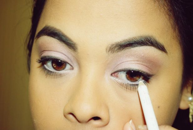 Best White Eyeliner Brands Nowadays, few women use white eyeliners as part of their makeup. When you enter a department store, you will see that women commonly preferred brown or black eyeliner. White eyeliners can make you look awful if you don't know how to use it. It also makes your small eyes appear bigger. …