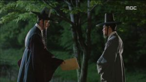 "Splendid Politics (Hangul: 화정; hanja: 華政; RR: Hwajeong) is a 2015 South Korean television series starring Cha Seung-won, Lee Yeon-hee, Kim Jae-won, Seo Kang-joon, Han Joo-wan and Jo Sung-ha.[1][2] It airs on MBC on Mondays and Tuesdays at 22:00 for 50 episodes beginning April 13, 2015.  The Korean title Hwajeong is a shortened version of Hwaryeohan Jeongchi (literally ""Splendid Politics"")."