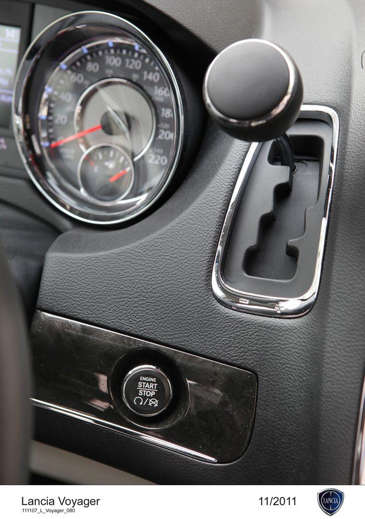 Lancia Voyager, drążek zmiany biegów.