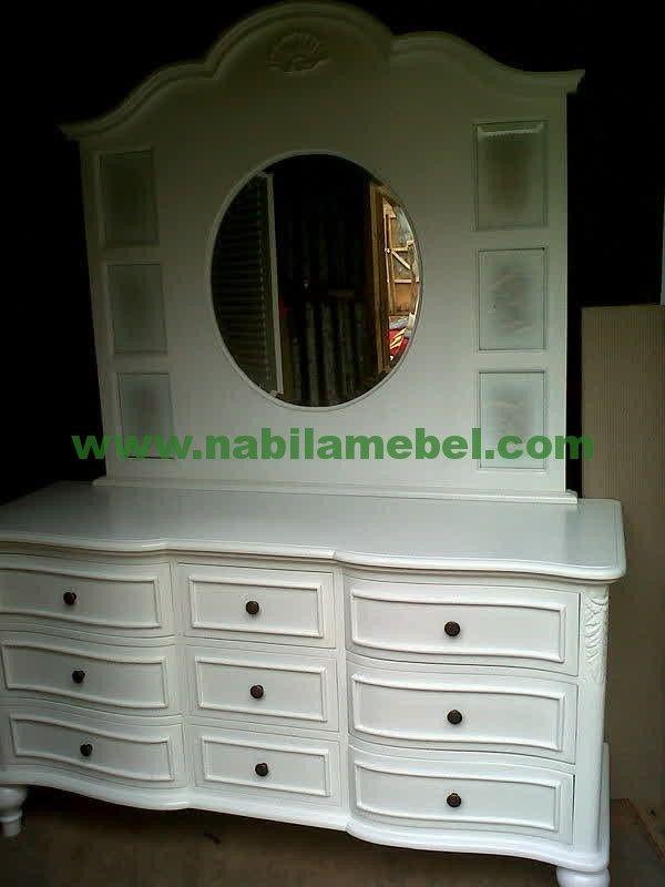 Meja Rias Minimalis Putih produk mebel jepara yang kami produksi untuk memberikan pilhan furniture jepara anda lebih banyak.