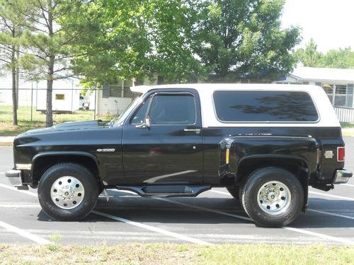 Chevrolet Suburban Custom as well Fa A D Cb A A D Db C also Chevrolet Suburban Custom Dually as well Bf Ad Ad F B Fb A Ff A also Ef A B C Ac A E. on chevy custom dually suburbans