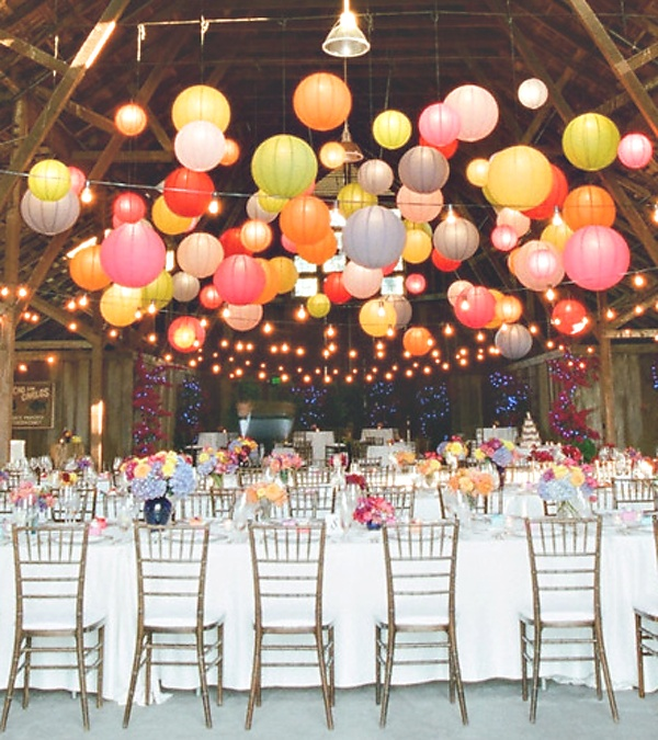 colourful lanterns, kleurige lantaarns, eettafel, dining table. party, feest!