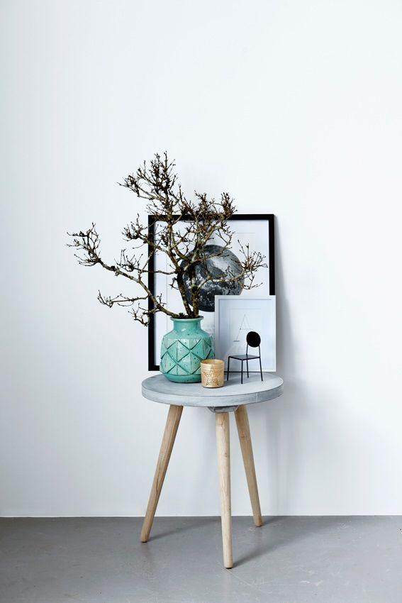 Ga voor rond! Tafel in verschillende afmetingen gemaakt van beton en eik. Verkrijgbaar bij #purewooddesign #housedoctor