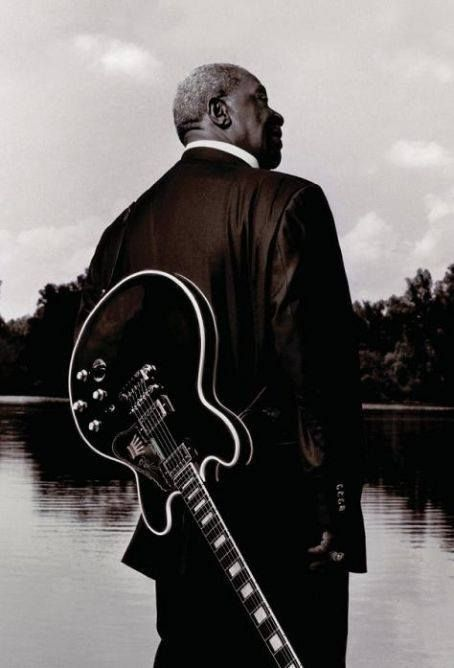 BB KING  - Siga o nosso blog Mundo de Músicas em http://mundodemusicas.com/aulas-de-musica/