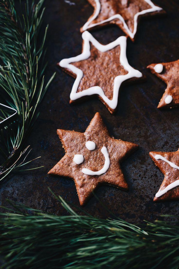 Ett recept på ljuvligt goda pepparkakor V+GF Vad vore jul utan pepparkakor?! Dessa är försvinnande goda och enkla att gör hemma med barnen.