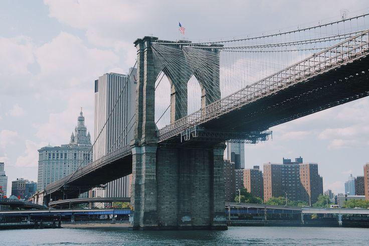 NewYork Brooklyn Köprüsü, Dünya'nın en uzun çelikten yapılan ilk asma köprüsüdür. Brooklyn ile Manhattan'ı birleştirir. #Maximiles #Brooklyn #gezilecekyerler #seyahat #travel #gezi #görülmesigerekenyerler #görülecekler #görülmesigerekenler #ziyaret #seyahat #gezirehberi #ünlüyerler #NewYork #Manhattan #traveling #visiting #tourism #tourist #turizm #turist #köprü #asmaköprü #bridge