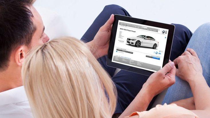 Aquilo de ir aos concessionários comprar um carro novo já era. Agora as aquisições fazem-se através da Internet, ou nas lojas onde até aqui adquiríamos outros produtos, bem mais pequenos e baratos. http://observador.pt/2017/12/31/comprar-carro-agora-e-na-media-markt-amazon-corte-ingles-fnac-e-facebook/