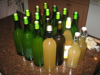 Simply Resourceful: Making and Bottling Perry (Sparkling Pear Cider)!!