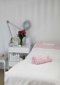 The Whimsical Wife: Pure Elegance - From Garage to Beauty Room