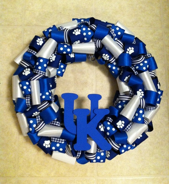 Of all of the days for me to stumble upon this wreath!  lol  I'm watching the Basketball Game, now!  Does this mean that they are the winners?  lol  I love the wreath, too!  Although, I prefer Orange and Blue!  Next year, Illini!