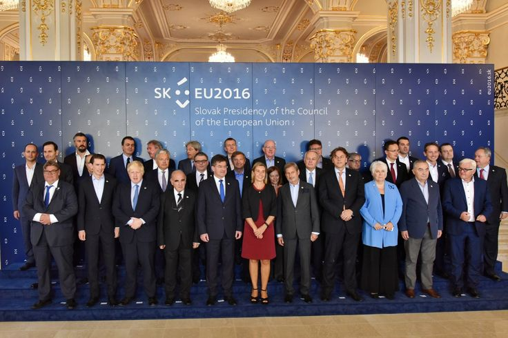 FAMILY PHOTO 2016-09-03 Informal Meeting of foreign Affairs Ministers (Gymnich)