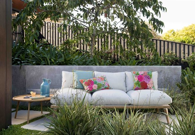 Kicking back in your outdoor lounge area is an absolute essential this Summer. Check out Early Settler's best range of outdoor lounge settings!
