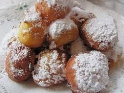 Ah! The Italian Zeppole! Perhaps one of most well known Italian treats in the world. Found at every Italian Feast and most others also.You dont have to be Italian to enjoy these Zeppoles. Walk up to your Feast Zeppole vendor and you will see these...