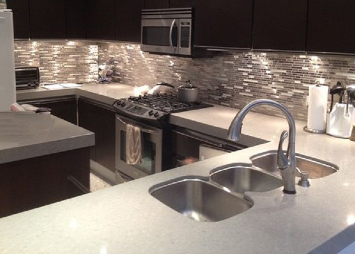 LOVE this for when I do my kitchen!!! Luxury Stainless Steel Metal & Glass Mosaic Kitchen Backsplash Tile