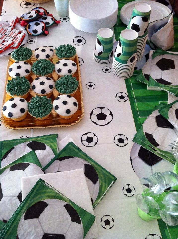 <3 Football themed party