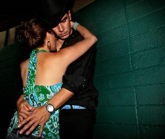 La Música Grupera es parte de la Identidad Mexicana, este es un vistazo a la vida de noche entre Alcohol, Amor y Tragedias.
