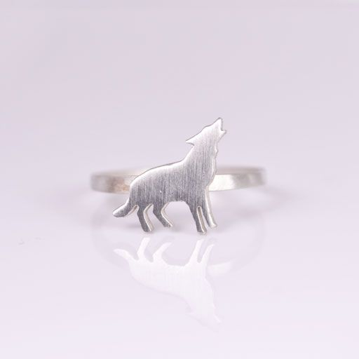 Needed - Wolf ring (via A SKYLK OF FOXES)