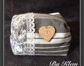 Défi de Janvier Petite trousse Shabby Chic, rangement pour sac a main.. : Etuis, mini sacs par clem-102