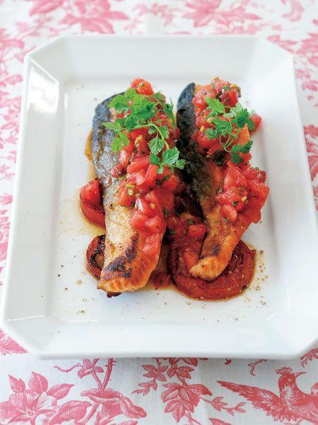 【ELLE a table】トマトどっさりの魚のソテーレシピ|エル・オンライン