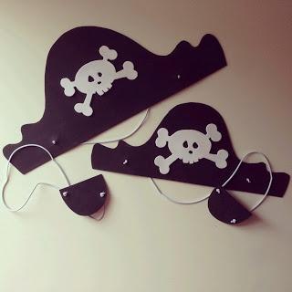 Gorro y parche pirata para niños