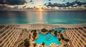 cancun-shuttle-to-me-cancun-hotel - #cancun #travel #transportation