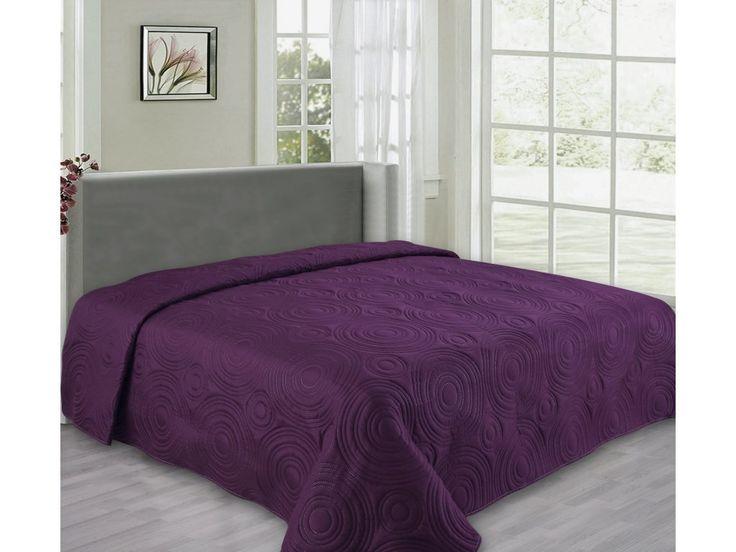 Kvalitní oboustranný přehoz na postel v moderním trendových barvách na dvoulůžko o rozměru 220x240 cm.