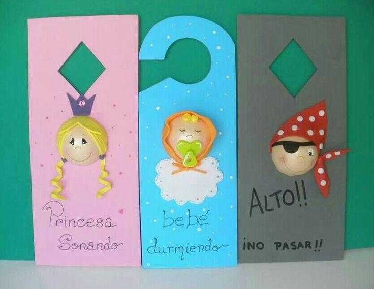 Colgador puerta manualidades pinterest flamenco for Colgadores para puertas