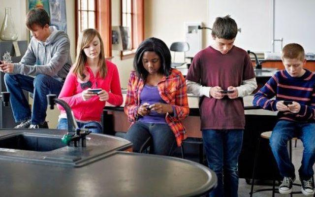 I rischi per i giovani di usare troppo i social network #facebook #twitter #adolescenti